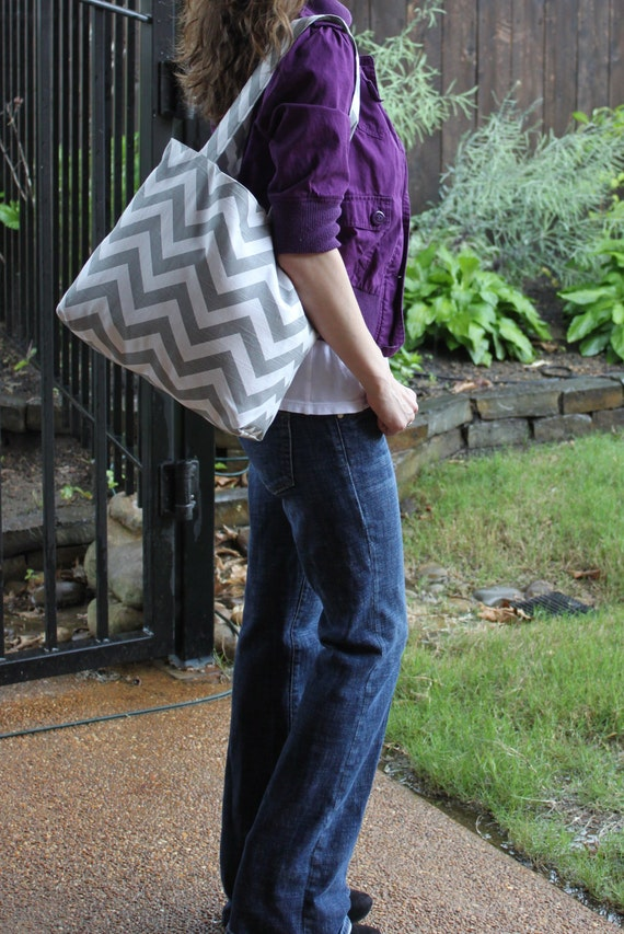 X-LARGE gray and white CHEVRON stripe zigzag Handbag/ Diaper Bag/ Purse/ Tote/ Beach Bag