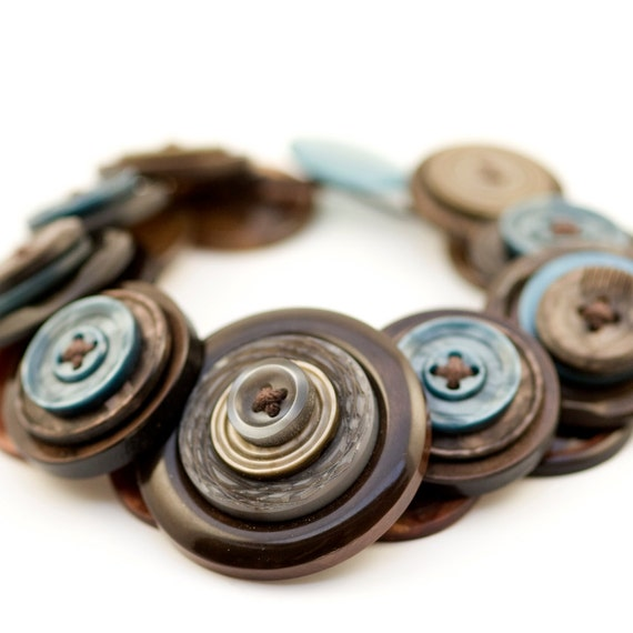 Upcycled 'Tawny' button bracelet by Shufflewing