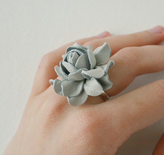 Light grey rose flower leather ring