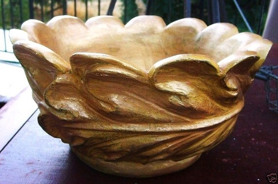 Vintage Gold Figural Botanical Acanthus Leaf Sculpture Bowl - Center Piece Bowl