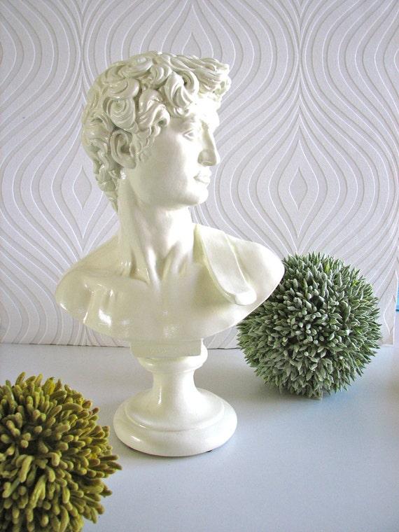 David Statue in glossy white