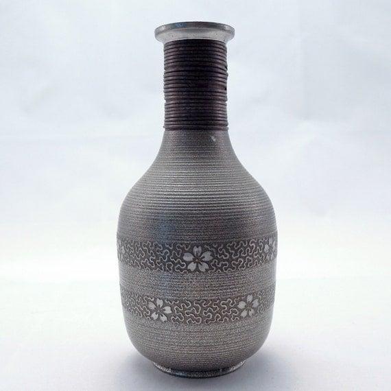 Antique Saké Flask, Made in Japan