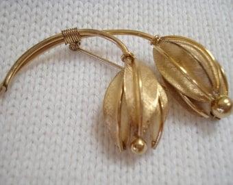 Gold Filled Delicate Flowers Vintage Brooch