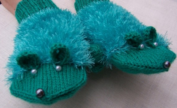 Cute Handknitted Mouse Mittens, Emerald Green Mittens, Women Mittens, Girls Mittens