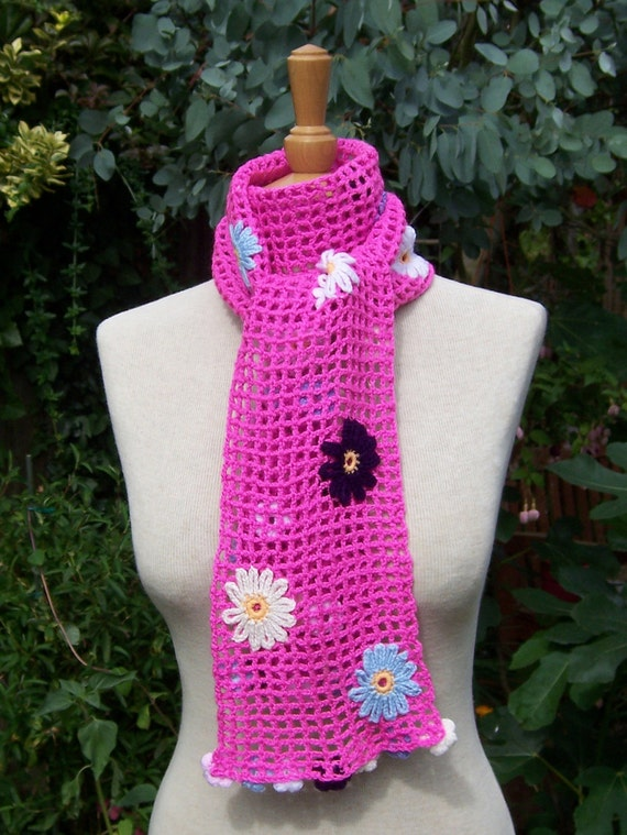 Hand Crocheted Women Scarf with  Flowers, Lace Scarf, Flower Scarf, Pink Scarf, UK Seller