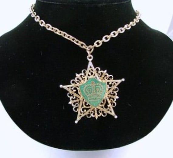Vintage Medallion Necklace Green Enamel on Gold