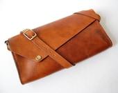 Cognac Emma Bag - Handstitched leather shoulder bag