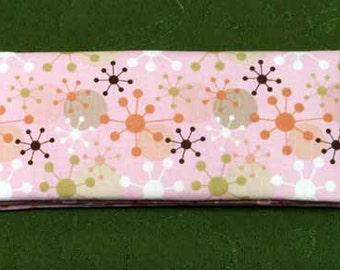 Magic Wallet - Billfold Snowflakes on Pink