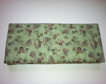 Magic Wallet - Billfold Petite Flowers on Green