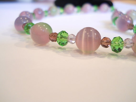 Rose, Pink and  Green Glass Bead Necklace, Bracelet, and Earring Set