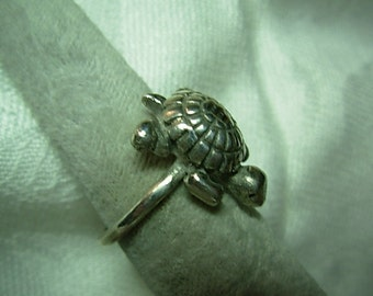 Turtle sterling silver ring.