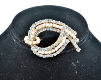 FREE SHIPPING Summer Wedding 1940's 1940s Old Hollywood Glamour  Antique Bridal Vintage Blue Teal White Rhinestone Brooch / Pin