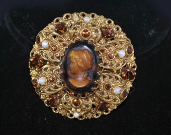 FREE SHIPPING  Bohemian Jewelry 1950's 1950s Renaissance Style Cameo Brooch victorian Wedding Steampunk Gothic Pin Vintage brooch summer