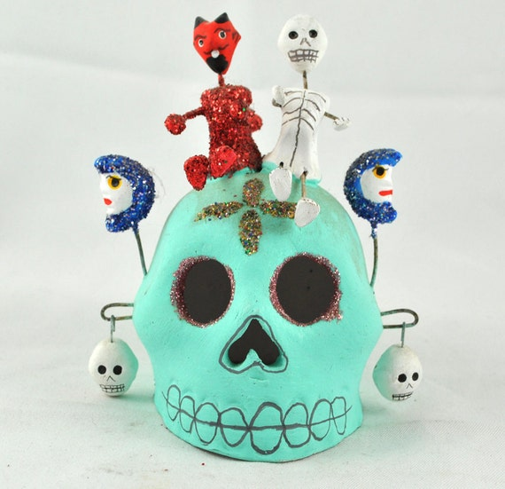 FREE SHIPPING Odd Things halloween Creepy  Home Decor 1960s Day  Dead Blue Skull w Red Glittered Devil Skeleton  dia de El de muertos de Los