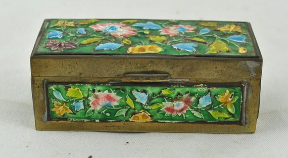 FREE SHIPPING SALE Christmas  Home Decor Asian Oriental Vintage  1940's  Enamel Chinese Green Cloisonne Trinket  Flower  Floral   Stamp Box