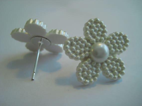 Flower Pearl Look Button Earrings