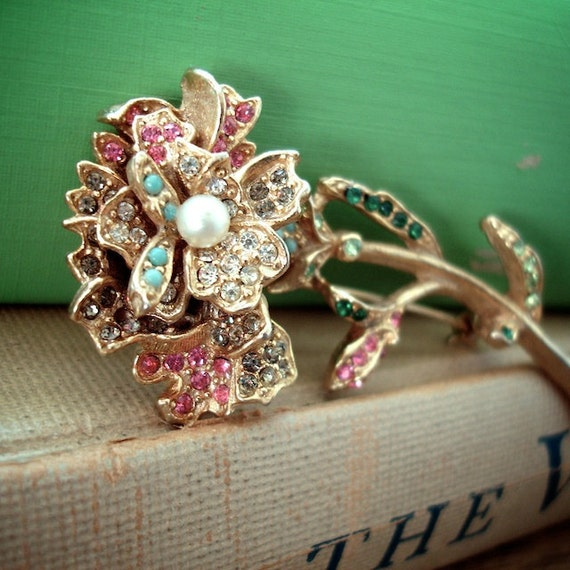 Vintage Art Rhinestone Flower Brooch Pin