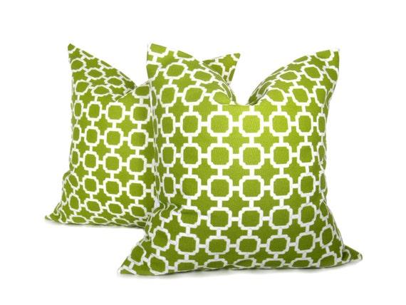 Items similar to Green Pillow Outdoor Pillow Decorative Green Pillow PILLOW SETS, Accent pillow ...