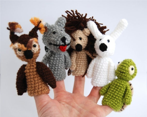 5 animal finger puppet, crocheted turtle, owl, bunny, hedgehog, wolf amigurumi woodland toys, gift for children, multicolour
