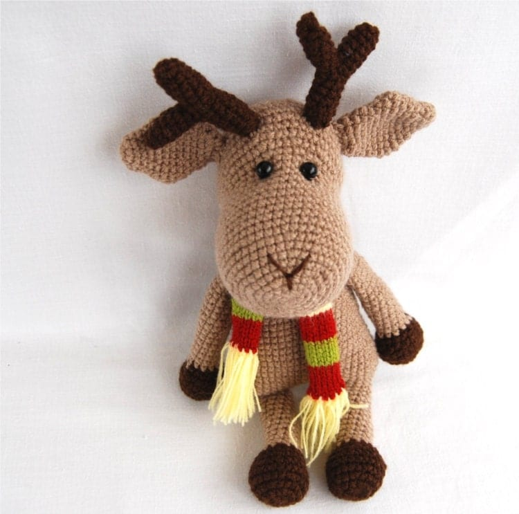 Amigurumi Deer : gray reindeer an amigurumi christmas stuffed animal with