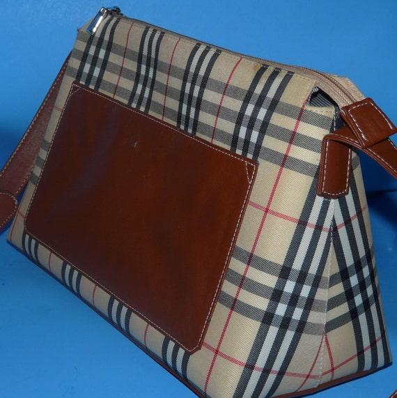PRICE REDUCED 28.00.- Burberry Style Tote (Handbag)