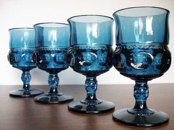 Vintage Indiana Glass: Kings Crown Wine Glass set of 4 -Royal Blue