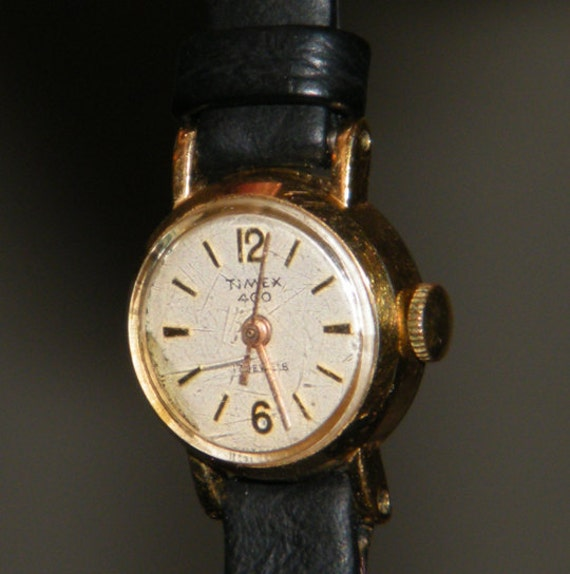 Ladies Timex 400 17 Jewels Wind Up Watch with Black Leather Band