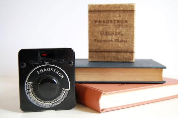 Vintage Phaostron Light Meter