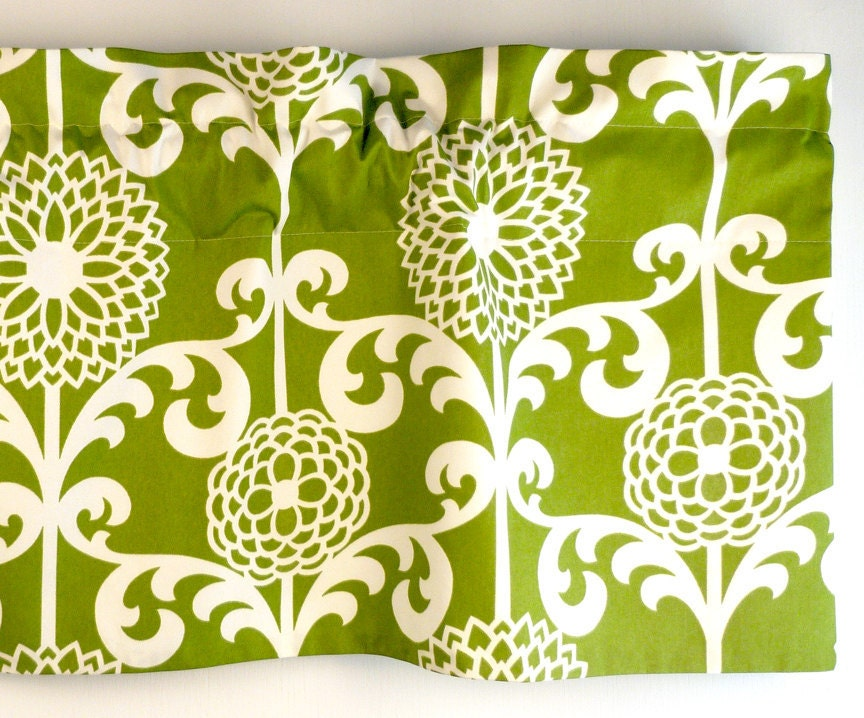 Green Valance With White Floral Pattern. Waverly by LaRicaHome