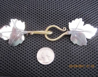 Nickle Bronze Western Ivy Pin On Cloak Clasp
