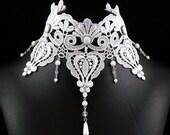 White Victorian Choker Necklace - Lace Bridal Jewelry - Large Chocker Bib Wedding Renaissance Costume Jewellery for Women - Romantic