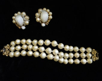 Vintage ELSA SCHIAPARELLI Glass Pearl Bracelet with matching earrings