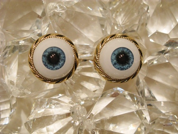 Jeepers Creepers Textured Gold Eyeball Ring Size 6, 7 and 8