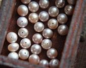 10 pcs natural  pearl finding pendant light purple   6mm half bore hole
