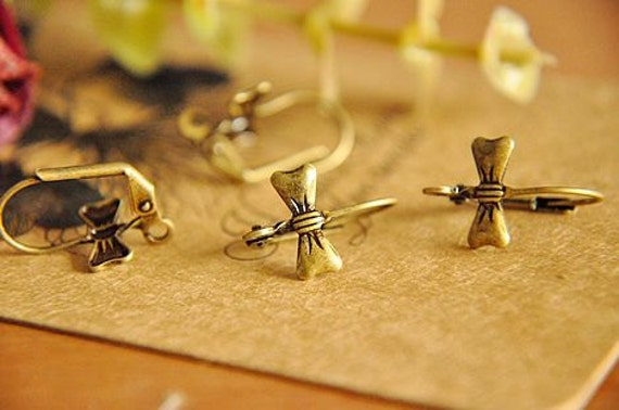 20 pcs raw Brass plating antique bronze bowknot earring     pendant finding