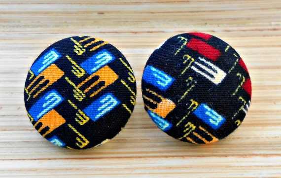 Graphic Print Button Earrings