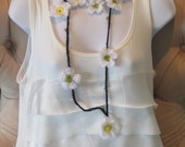 Lariat Daisy Necklace / Scarf.