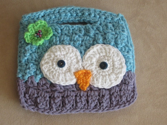 Owl Purse. Blue and purple owl wristlet. Cute Gift for Girl.