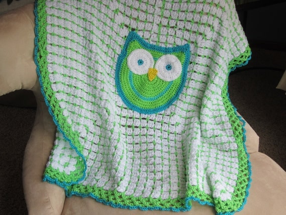 OWL  BABY BLANKET.  Adorable Gift for Baby.