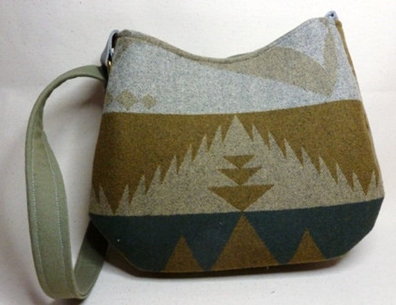 Pendlton Navajo wool purse/ hobo Bag in rich earth tones of green, olive, bark, tan, medium size