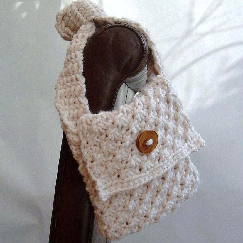 Knitting and Crochet Pattern for Daisy Stitch purse easy knit