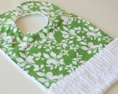 Baby Bib with Crumb Catcher Pocket, Green and white print,  Cotton Chenille bib, Newborn baby shower gift, Bib with snaps