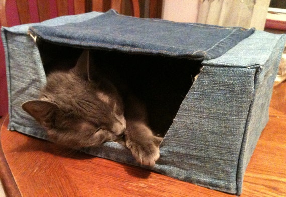 Denim cat bed with privacy flap