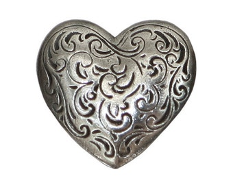 Danforth Florentine Heart 7/8 inch ( 23 mm ) Pewter Shank Button Silver Color