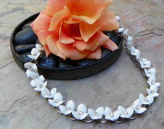 Vintage Mad Men White Flower Rhinestone Necklace/Choker
