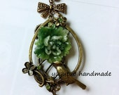 Vintage green Cotton rose and bird  elegan necklace