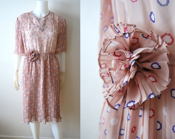 RESERVED: Flitter Flutter - Vintage 70s Pale Pink Print Pleated Flower Dress