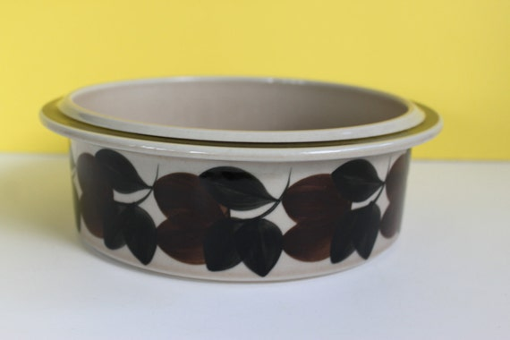 Vintage Arabia Finland Ruija 9 Inch Serving Bowl