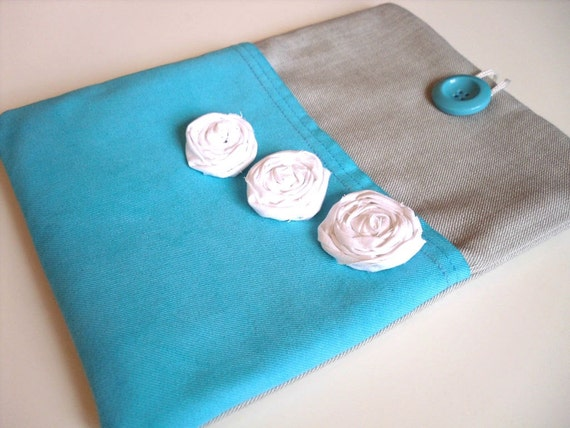 iPad case, iPad sleeve, iPad cover, Tablet sleeve. Padded.Turquoise, white rosette flowers. Unique