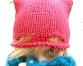 Catwoman Hand-knitted Cap - Bonnet Catwoman tricoté main